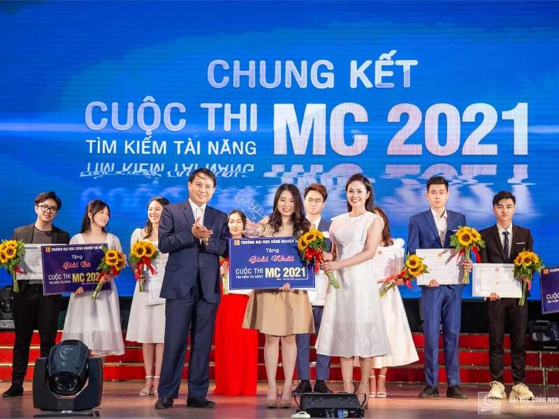 "The finale ""HaUI MC Talents 2021"" contest"