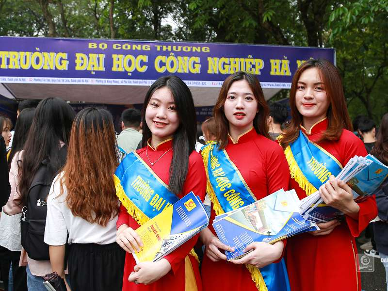 Ngày hội tư vấn tuyển sinh - hướng nghiệp 2021: Sức hút của thương hiệu Đại học Công nghiệp Hà Nội