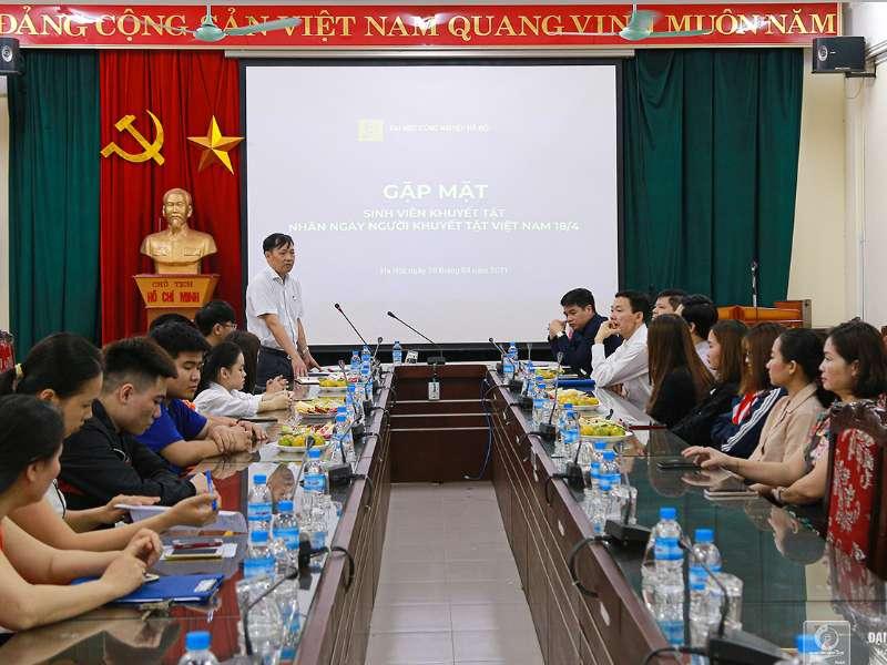 Gặp mặt sinh viên khuyết tật nhân Ngày người khuyết tật Việt Nam