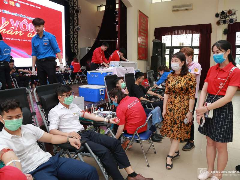 1439 units of blood were donated at HaUI Voluntary Blood Donation Day 2021