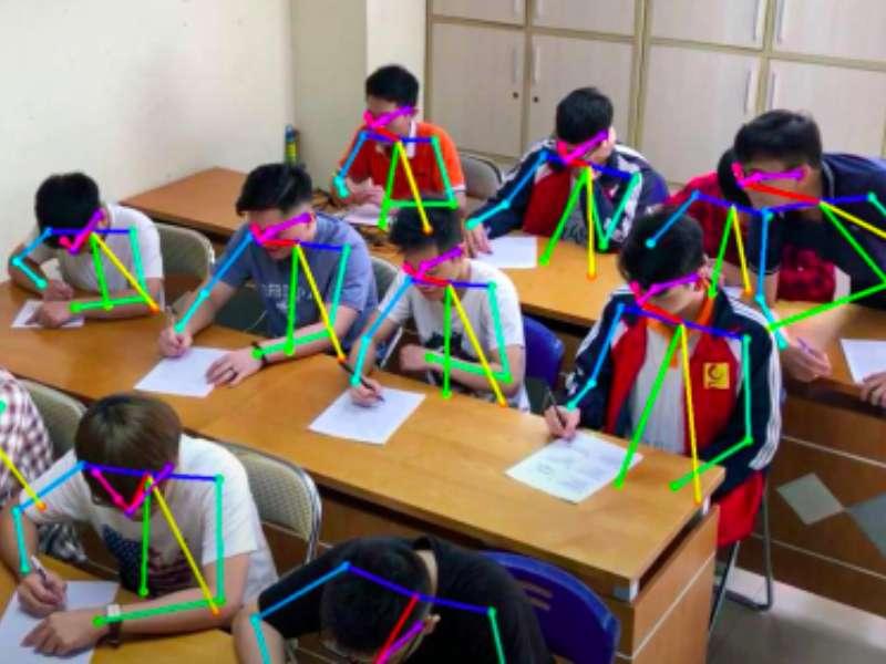 Sinh viên khoa Công nghệ thông tin với nghiên cứu ứng dụng cho bài toán phát hiện gian lận thi cử