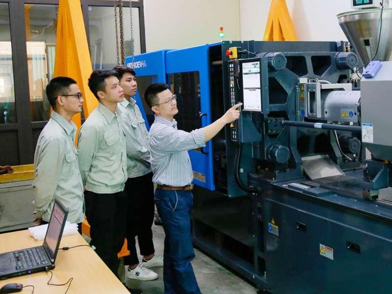 """Trường Đại học Công nghiệp Hà Nội chuyển đổi số hướng tới mô hình """"Đại học thông minh"""""""